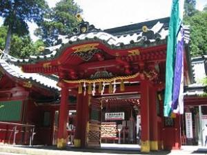 芦ノ湖畔の箱根神社